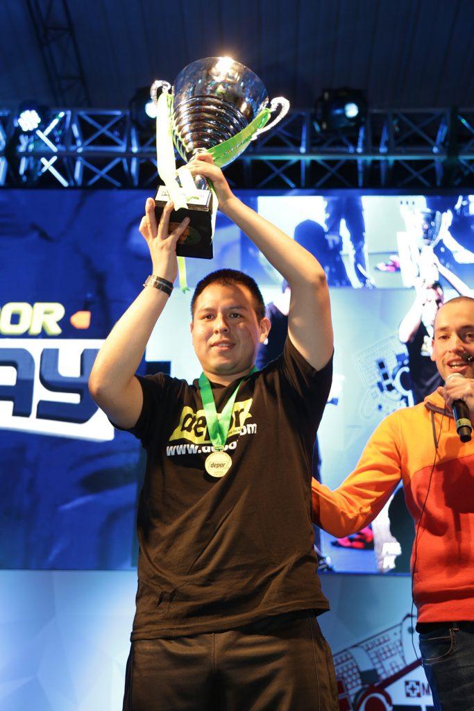 foto de ¡Participa en el torneo JuegaPES VI!